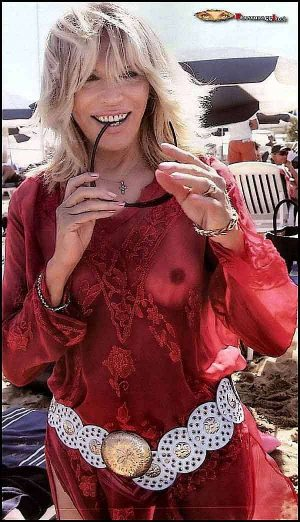 Amanda Lear, Will This See Through Tit Shot Relocate Your Home Page From TRIPOD?