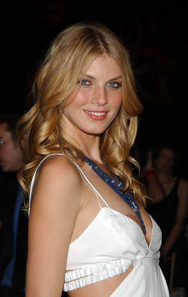 "Angela Lindvall, Nip Slips Like Yours Will Boost Good Publicity For ""KISS KISS BANG BANG&# ..."