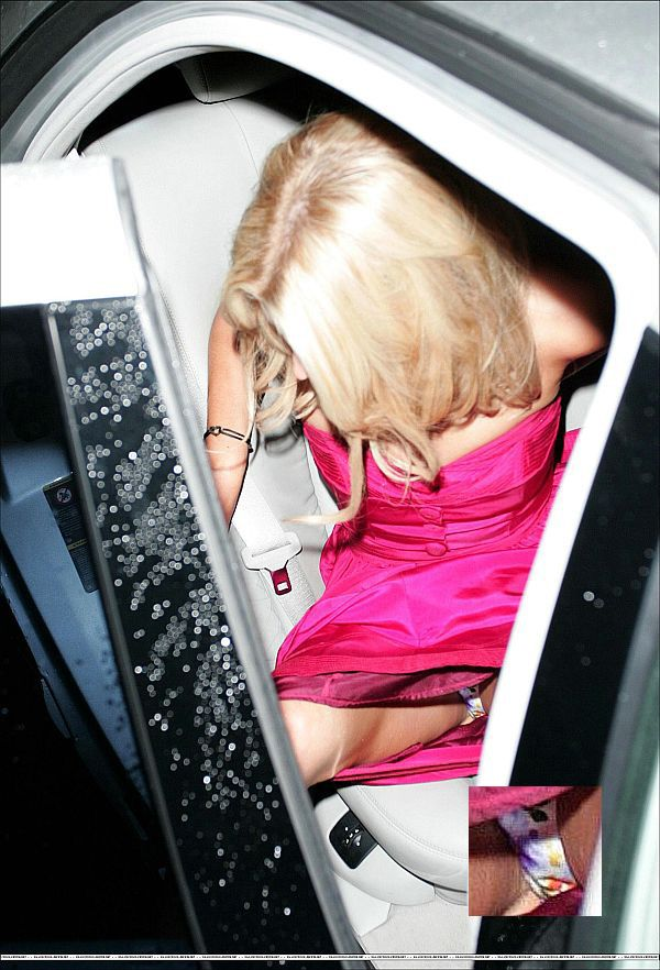 JESSICA SIMPSON Close Your Legs Before Getting Out Of The Car!!