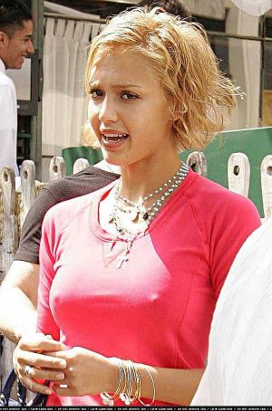Jessica Alba, Pokies, The Seasons Are A 'Changing