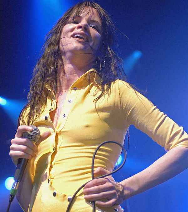 Juliette Lewis Poking Out On Stage, No Business Like Show Business