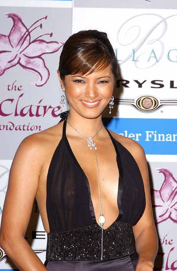 "Kelly Hu, A See Through Nip Shot Like This Redeems Yourself In ""The Scorpion King"""