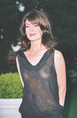 Lara Flynn Boyle, Gorgeous See Thru Dress, And Nice Breasts. Thanks For The Fashion Show.
