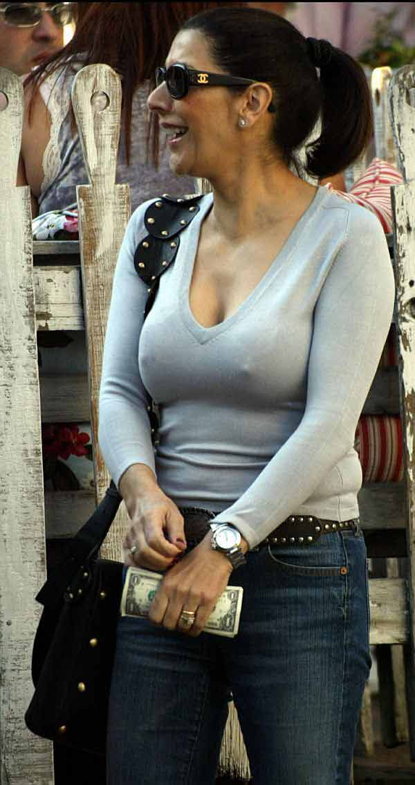 Marina Sirtis, Pokies From A STAR TREK Recognition? Or You Happy To Be Shopping?