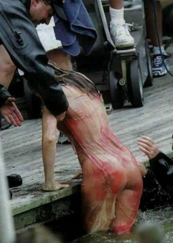 Sarah Jessica Parker's Wet See Through Ass Shot, Thanks To Hollyrude