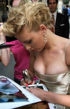 """Scarlett Johansson, A """"Boobs"""" Eye View"""