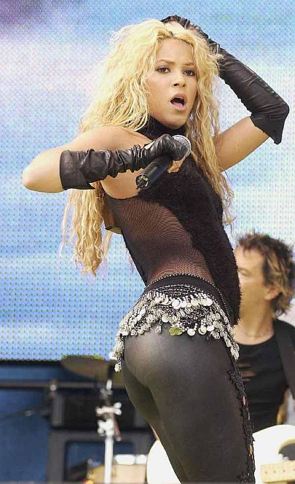 Shakira, Shak your ass
