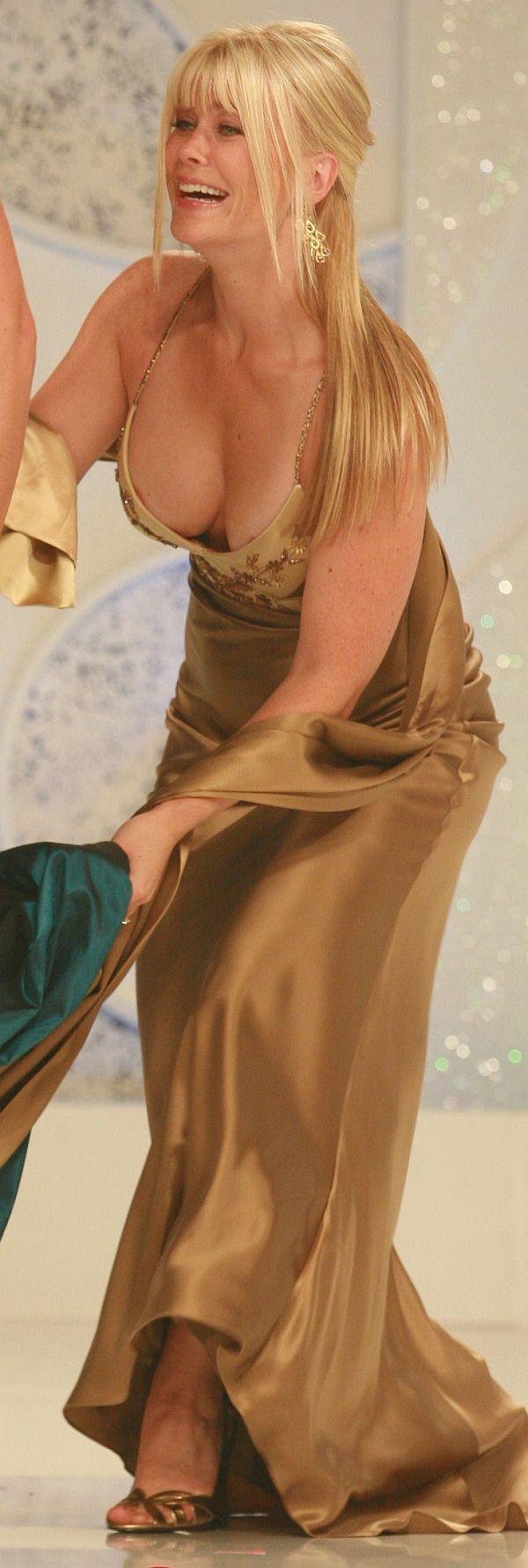 Alison Sweeney's Slight Nip Slip On Stage