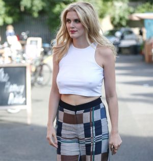 Ashley James Rock Hard Pokies While Out on a Walk
