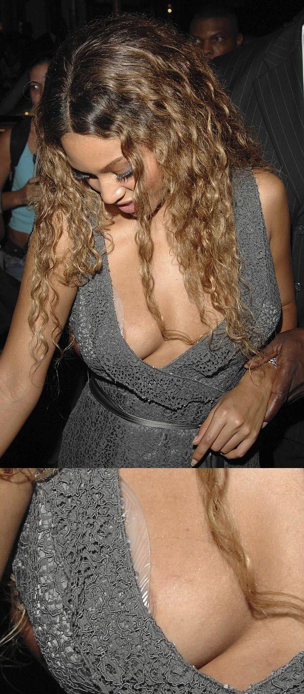 Beyonce Slight Nip Slip