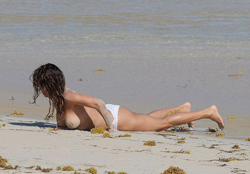 Brooke Burke Caught on a Beach Topless - Taxi Driver Movie