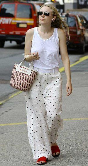 Dakota Fanning Braless Pokies Walking Down the Street