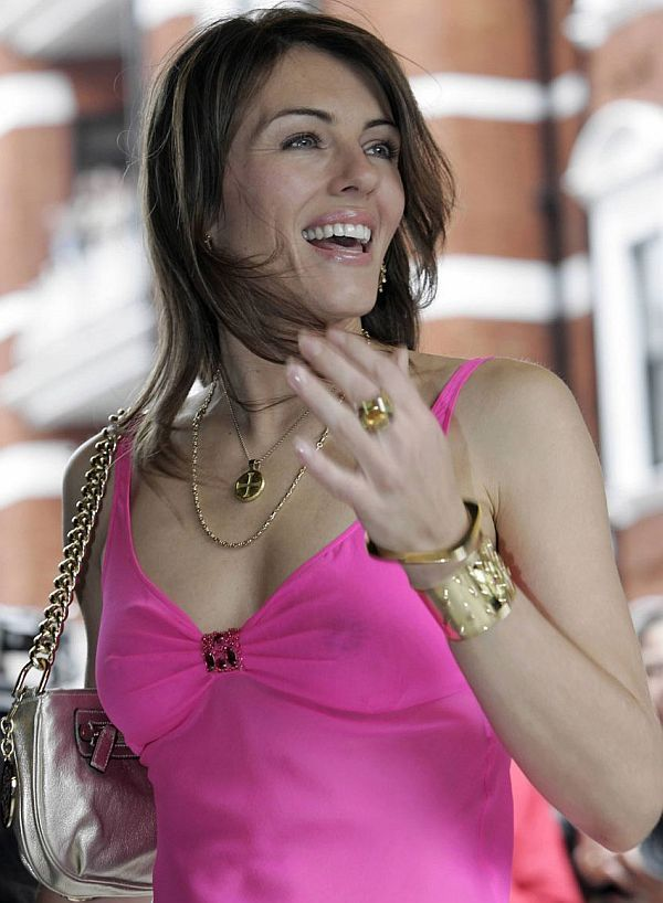 Elizabeth Hurley See Through Nipple