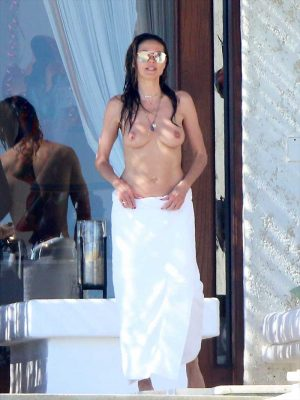 Heidi Klum Topless and Wet on Vacation