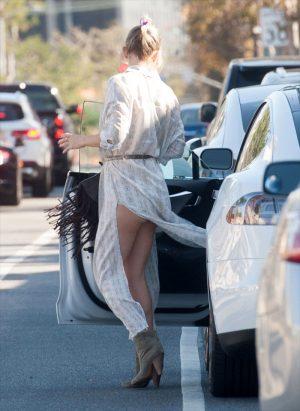 Kate Hudson Wind Blown Ass Cheek Upskirt