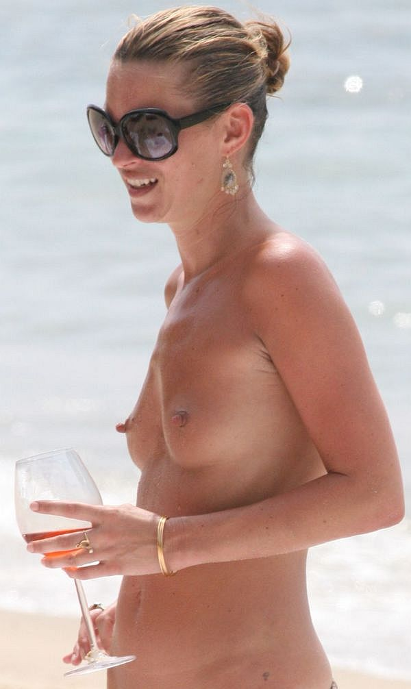 Kate Moss Topless With The Longest Nipples In The Celebrity World