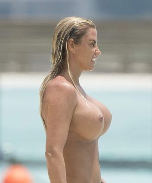 Katie Price Topless on the Beach, Round 2