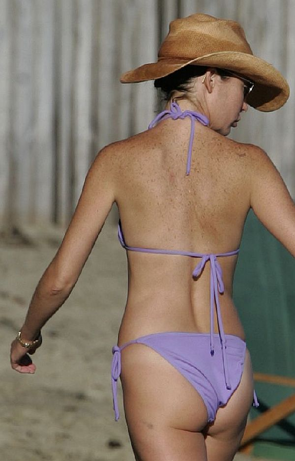 Lara Flynn Boyle's Droopy Butt. No Reason To Get Sensitive About It Though.