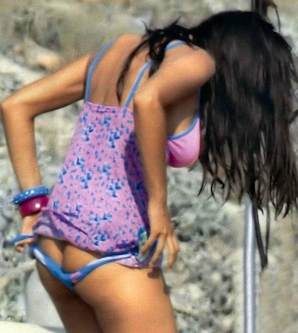 Manuela Arcuri Pulling Off Bikini Bottom