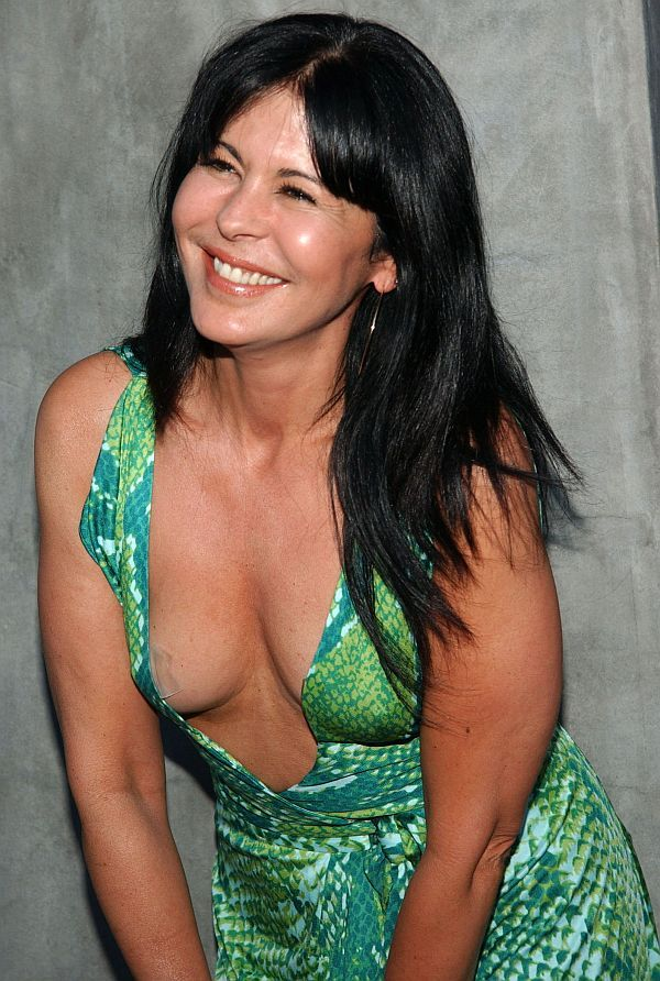 image Maria conchita alonso savana sesso e diamanti 1978