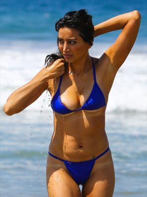 Noureen DeWulf Areola Peek Exiting the Ocean