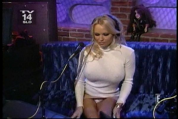 "Pam Anderson Upskirt And Pokies On ""Howard Stern"""