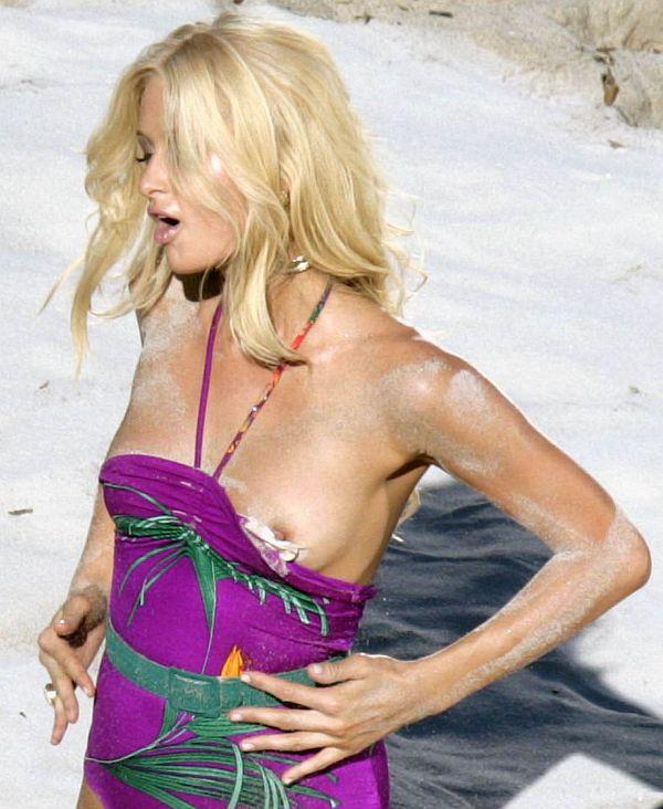 Paris Hilton's Nip Slip While Making Her Music Video
