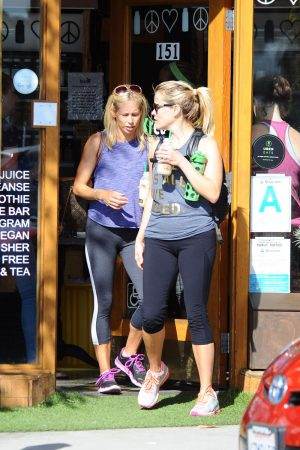 Reese Witherspoon Cameltoe in Workout Attire