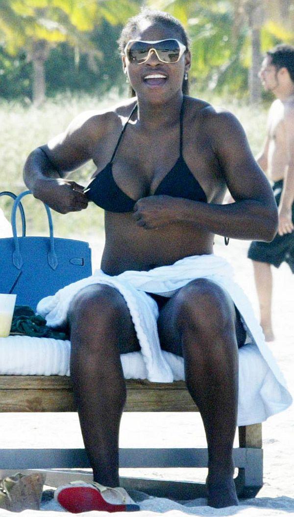 Serena Williams Boobs Barely Fit The Bikini