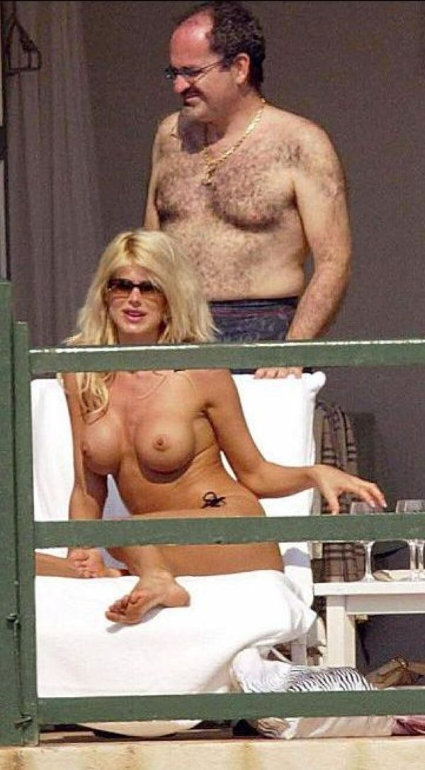 Victoria Silvstedt Topless And A Pat On The Ass