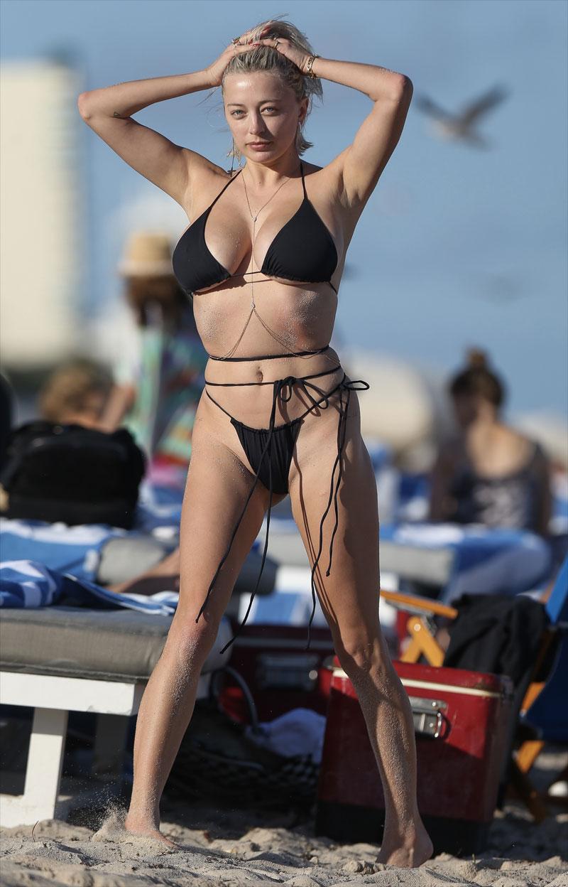 Caroline Vreeland Boasting Curves in a Black Bikini