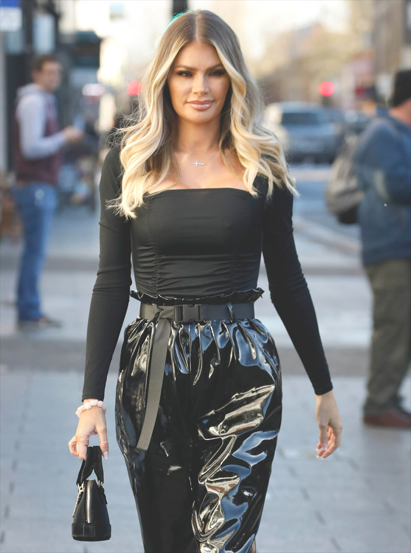 Chloe Sims Braless Pokies While Out Shopping