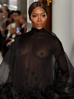 Naomi Campbell Braless in Black Lace Dress