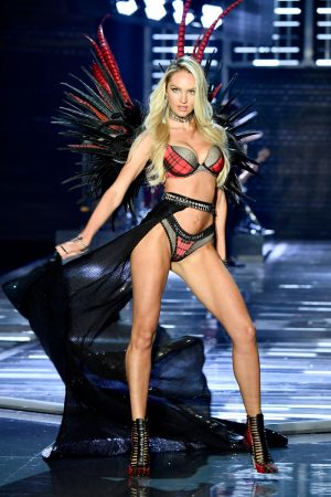 Top 10 Hottest Blonde Celebrity Candice Swanepoel #6