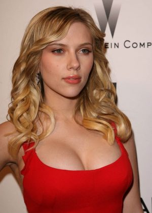 Top 10 Hottest Blonde Celebrity Scarlett Johansson #1
