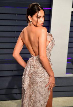 Shanina Shaik Nipple Slip on the Oscars Red Carpet
