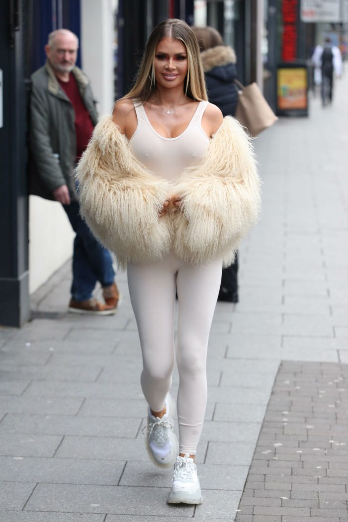 Chloe Sims Nipple Pokies in the Cold Weather