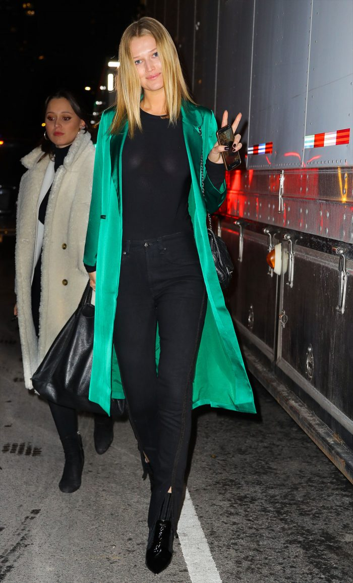 Toni Garrn Braless in Tight Black Shirt