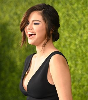 Selena Gomez Gives Us an Eyeful of Cleavage