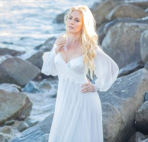 Heidi Montag Nipple Pokies on Seaside Photoshoot