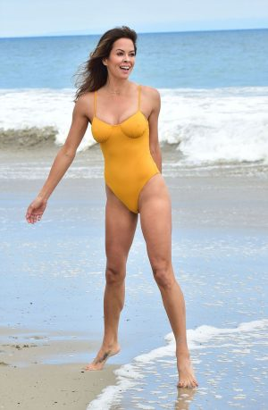 Brooke Burke Yellow Bathing Suit Pokies