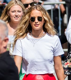 Jennifer Lawrence Nipple Pokies While Braless in White Tee