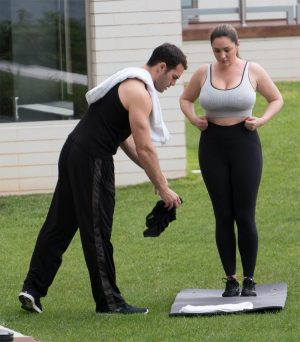 Kelly Brook Working Out in Spandex