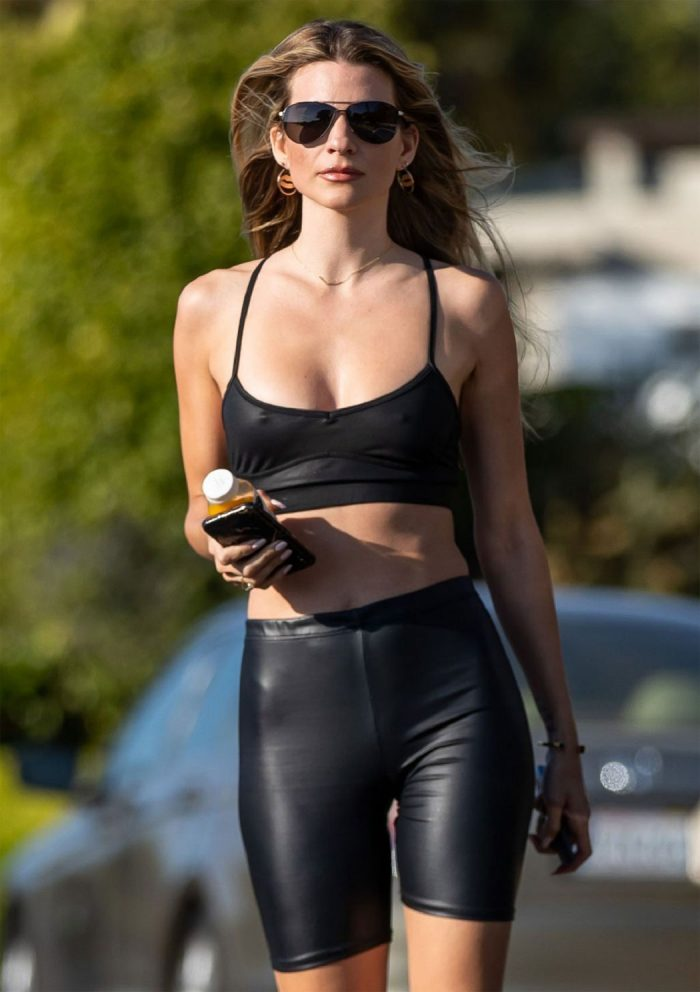 Rachel McCord Pokies & Cameltoe in Leather Workout Gear