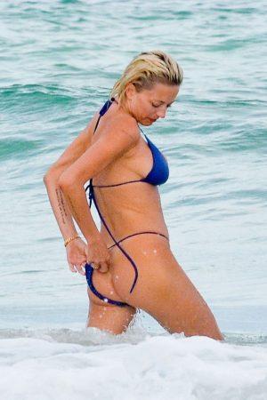 Caroline Vreeland Bikini Bottom Malfunction