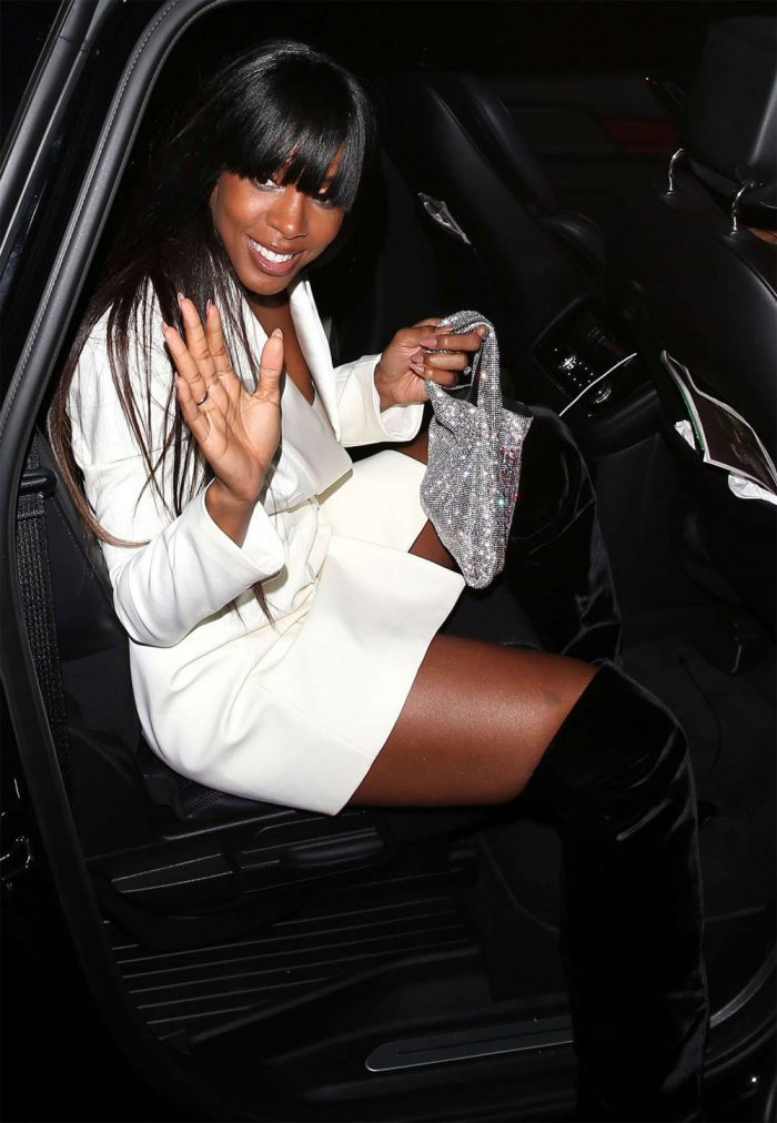 Kelly Rowland Down Blouse Nipple Peek