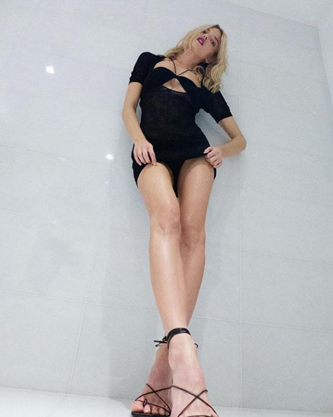 Martha Hunt Black Pantie Upskirt on her Instagram
