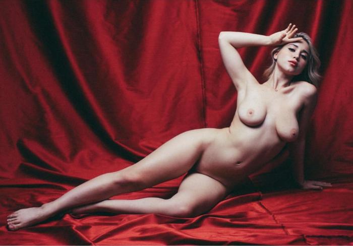 Caylee Cowan does her best Marilyn Monroe Playboy Pose