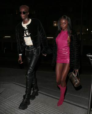 Leomie Anderson Tit Slip Out of her Pink Dress