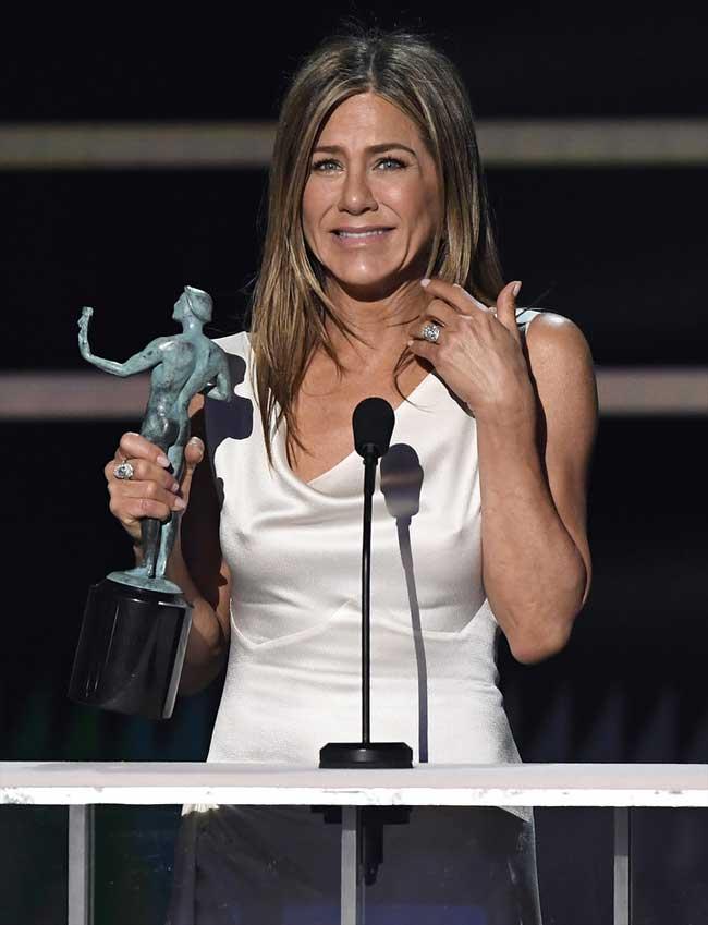 Jennifer Aniston Hard Nipples at the Screen Actors Guild Awards